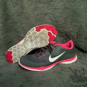 Nike Flex Trainer 5 Grey, Pink, and White